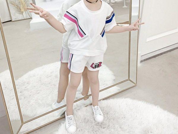 חליפה ספורטיבית לגן לילדות