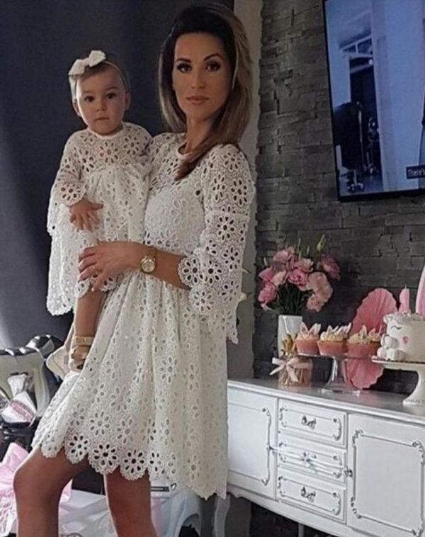 שמלה לילדה לבנה בסטייל
