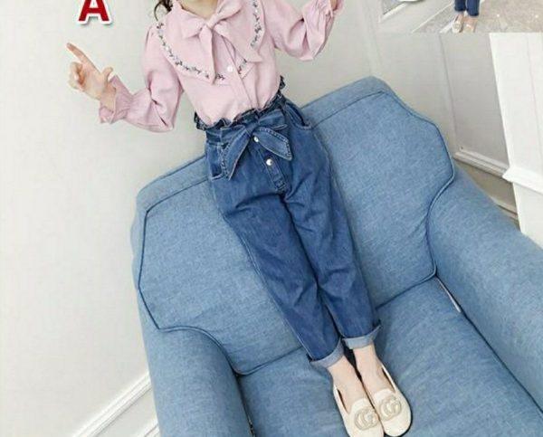 מכנסי ג'ינס וחולצה לילדה מיוחדת בורוד