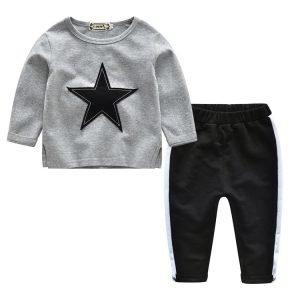 סט חולצה ומכנסיים לילדה כוכבת באפור