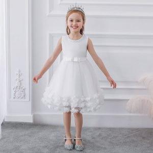 שמלה לילדות השושבינה בלבן