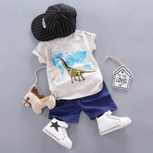חולצה ומכנסיים לילדים דינוזאור בטיול